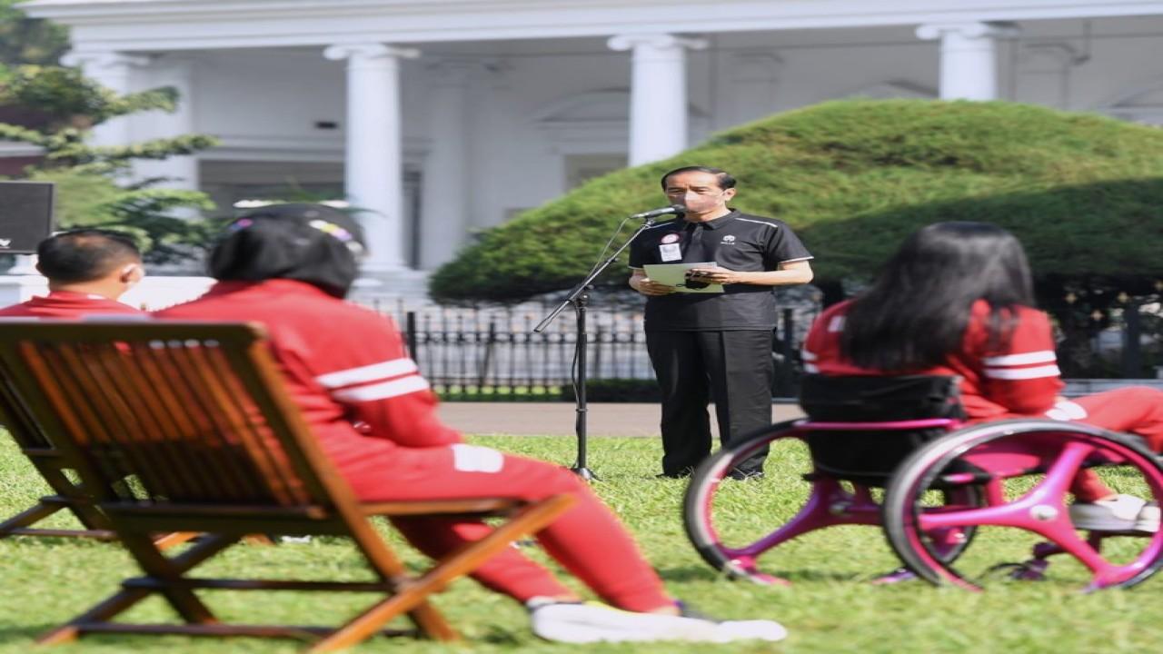 Presiden Joko Widodo memberikan sambutan dalam penyerahan bonus kepada para atlet Paralimpiade Tokyo 2020