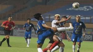 Laga Madura United vs PSIS Semarang-1632998476