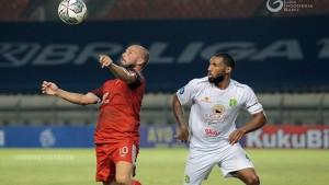 Laga Persebaya vs PSM Makassar-1632392379