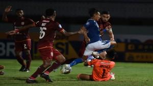 Laga Persib vs Borneo FC-1632409923