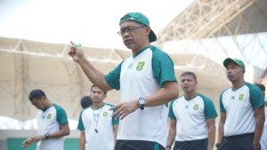 Pelatih Persebaya, Aji Santoso-1632843152
