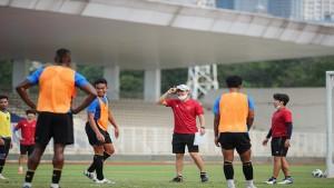 Pelatih Shin Tae-yong bersama skuad Timnas Indonesia-1633008227