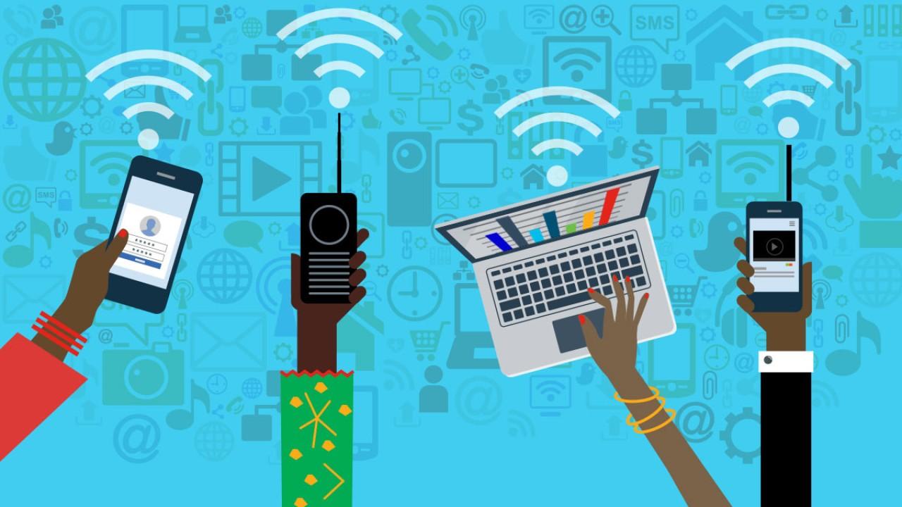 Ilustrasi kemajuan perangkat teknologi informasi yang membutuhkan dukungan sinyal internet yang prima/ist