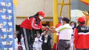 Menpora Amali usai menyerahkan medali pada nomor Speed World Record-1633436774
