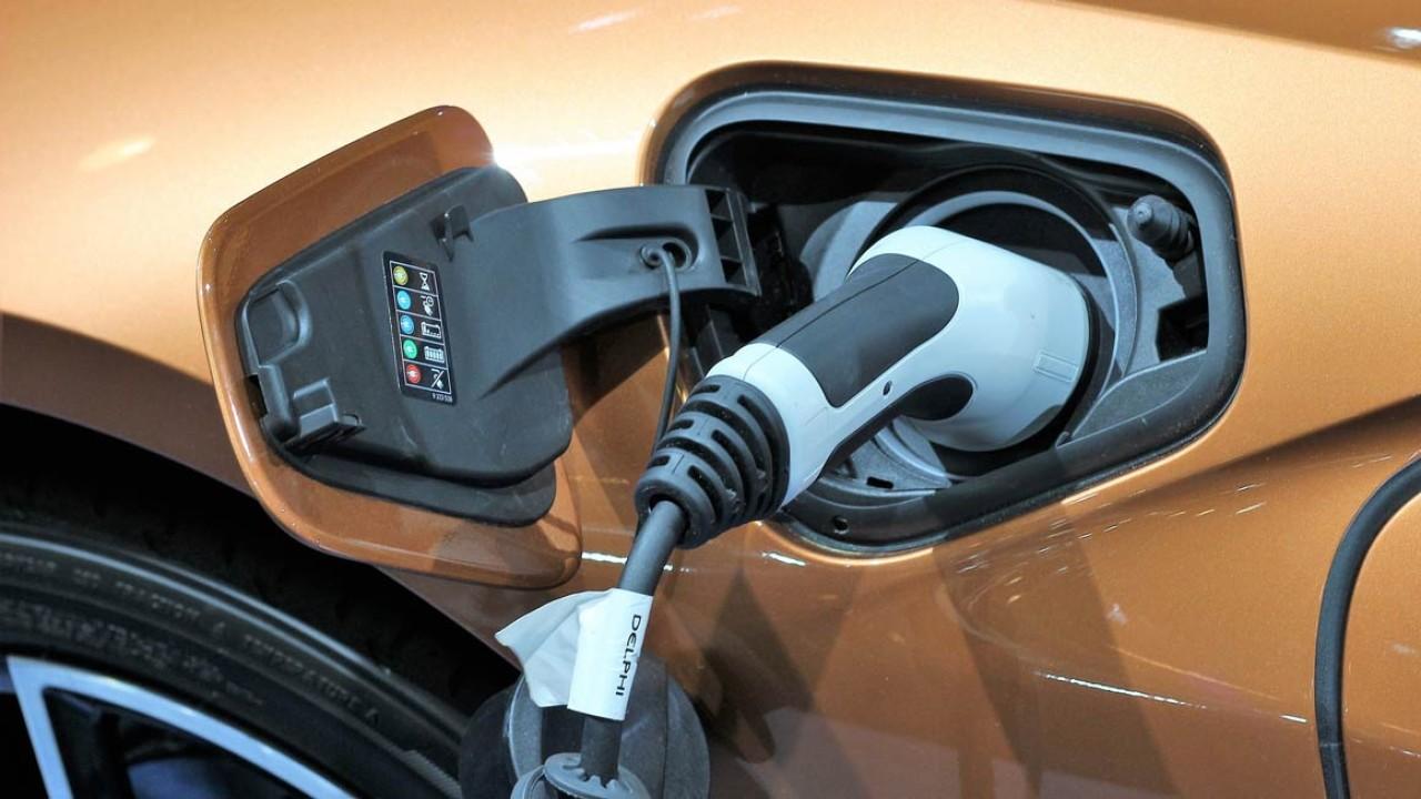 Ilustrasi mobil listrik. (Net)