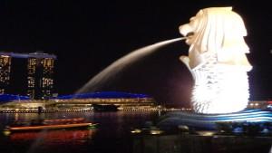 Patung Merlion ikon Singapura-1633788575