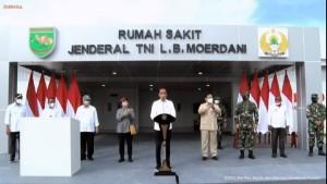 Presiden Joko Widodo (Jokowi) resmikan RS Jenderal LB Moerdani-1633249336